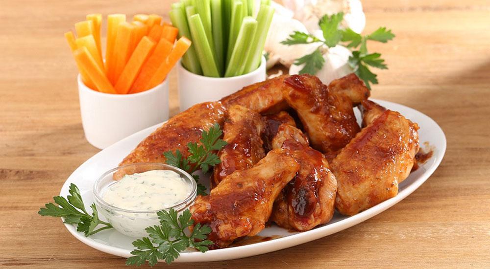 Alas en bandeja congeladas de pollo Friko